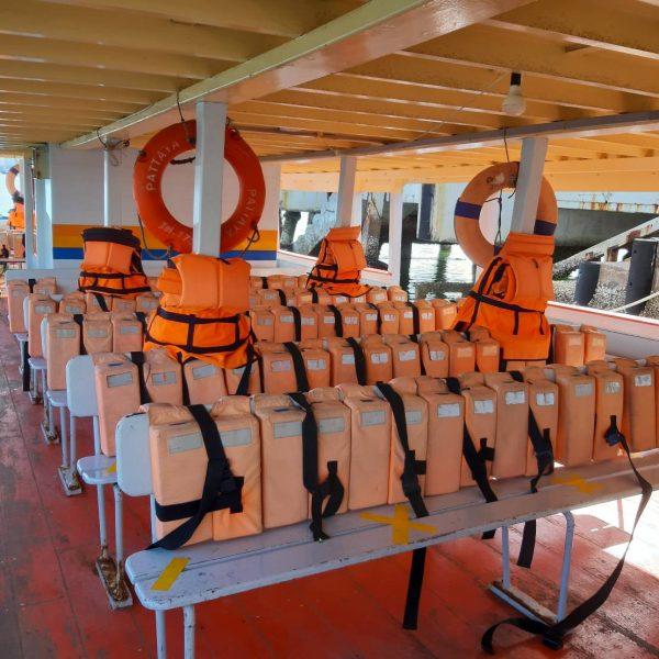 Ferry to Larn Island Pattaya